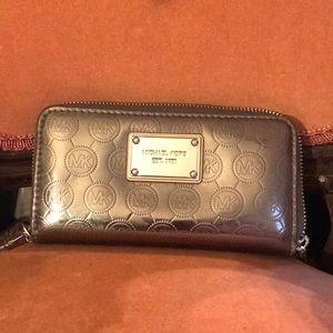 Michael Kors metallic wallet